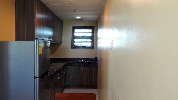大型冷蔵庫も魅力のキッチンエリア