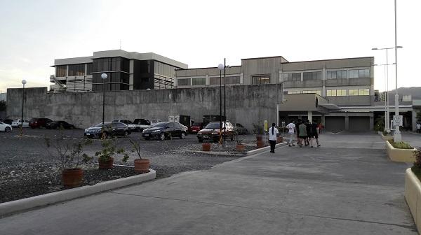 学校の近くにはOakridgeという商業施設