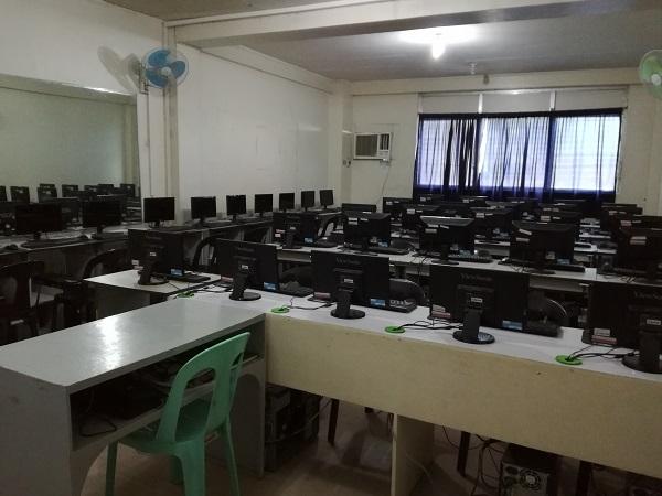 CEGAにはコンピュータールームも完備
