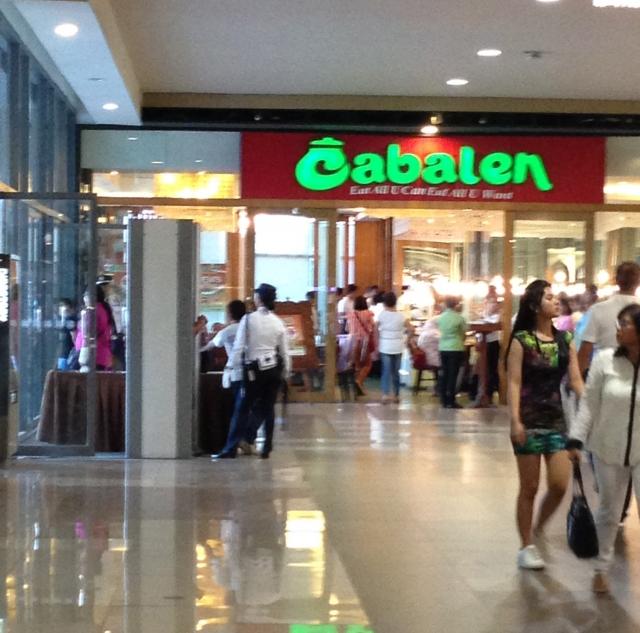 各都市にあるショッピングモールで定員さんと話しながら語学力アップ