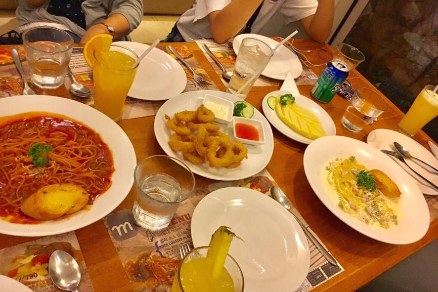 フィリピン滞在中の食事