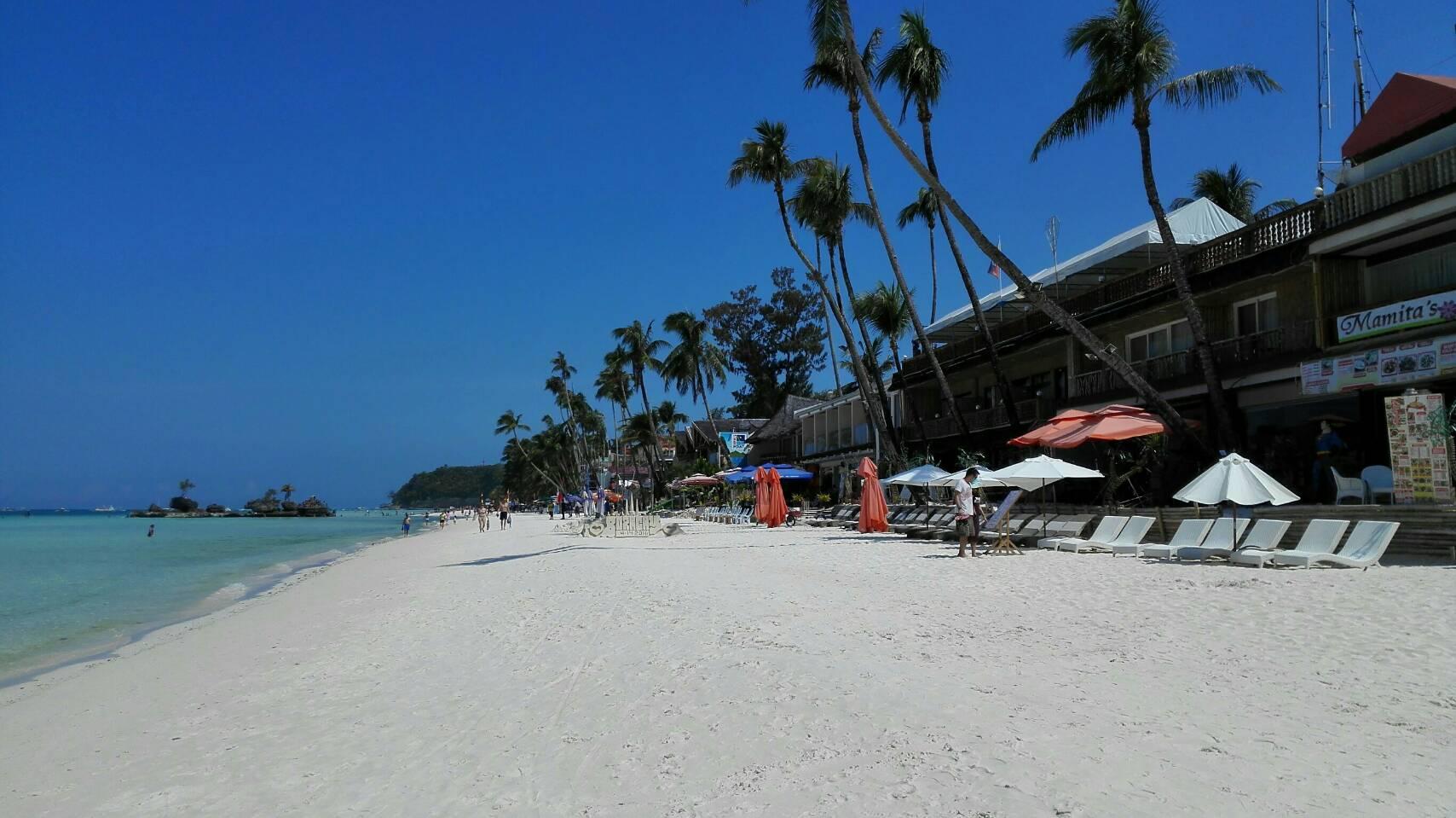 ボラカイビーチ